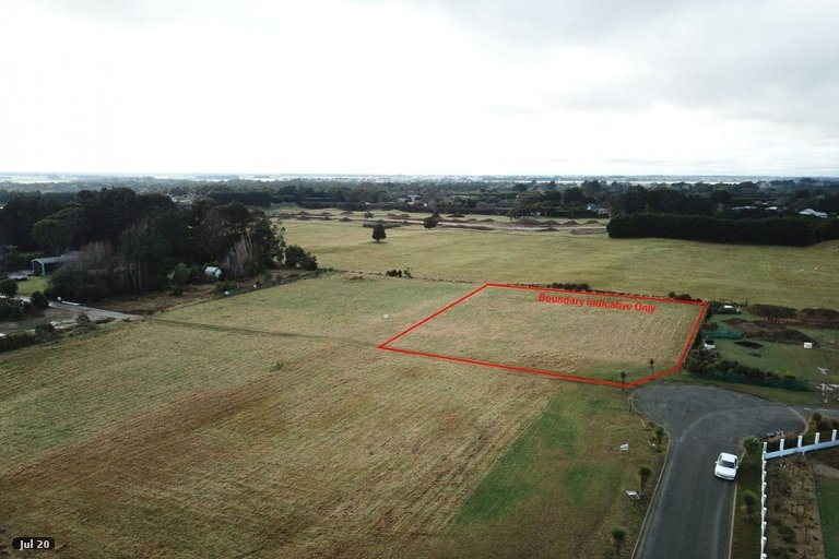 Property photo for 11 Ferngrove Way, Otatara, Invercargill, 9879