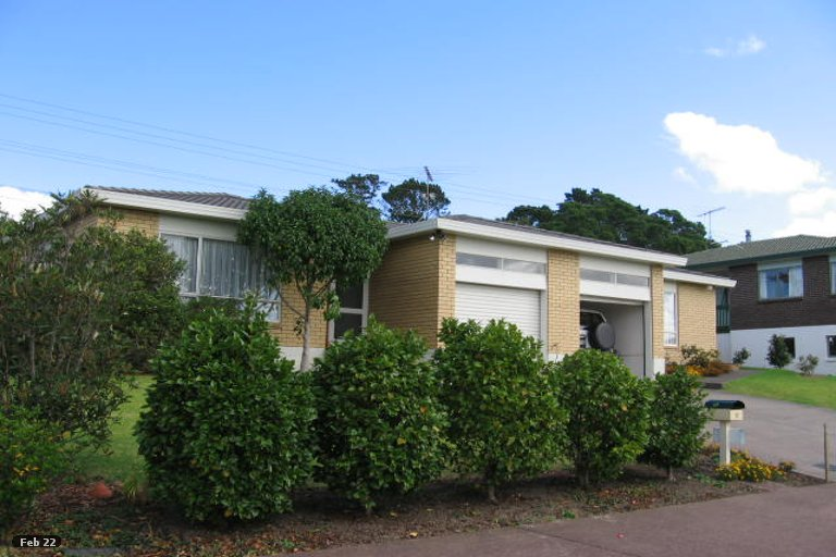Photo of property in 12 Carl Place, Unsworth Heights, Auckland, 0632