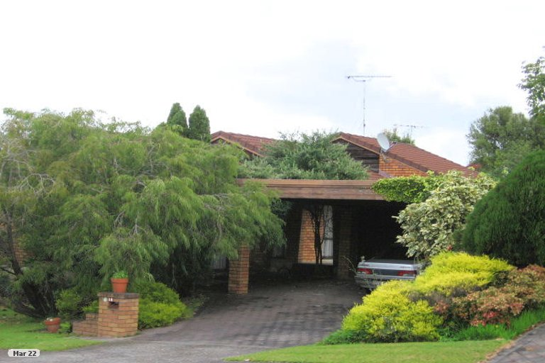 Property photo for 18 Voltaire Court, Botany Downs, Auckland, 2010