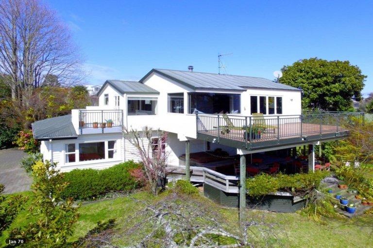 Photo of property in 31 Chesham Avenue, Waipahihi, Taupo, 3330
