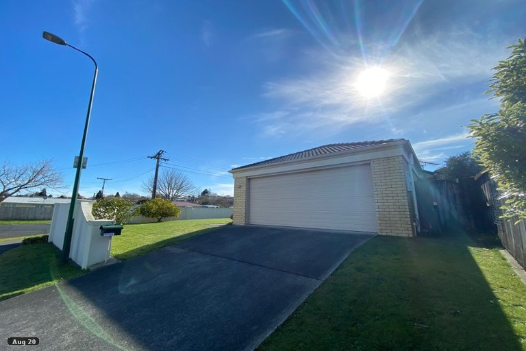 Property photo for 1 Gardenia Close, Melville, Hamilton, 3206