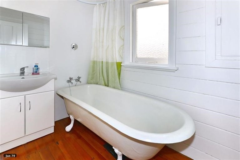 Property photo for 25 MacKenzie Avenue, Woolston, Christchurch, 8023