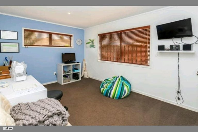 Property photo for 28 Jillteresa Crescent, Half Moon Bay, Auckland, 2012