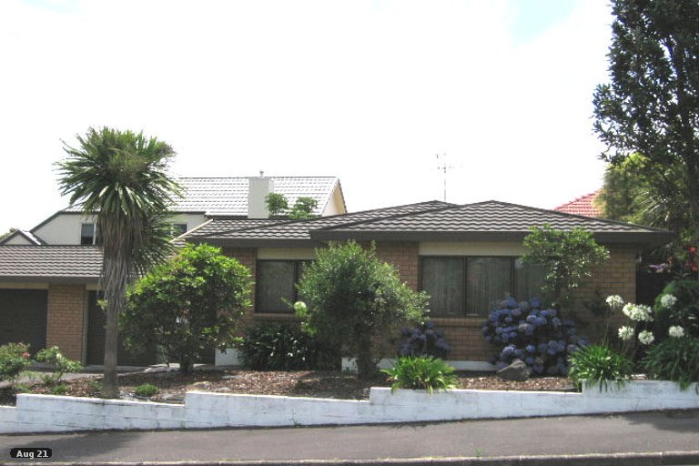 Photo of property in 2/23A Saxon Street, Waterview, Auckland, 1026