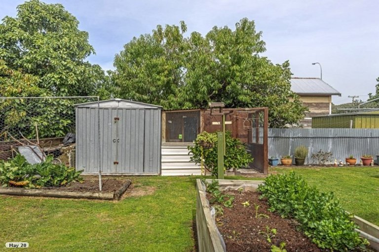 Photo of property in 2/23 Craig Road, Outer Kaiti, Gisborne, 4010