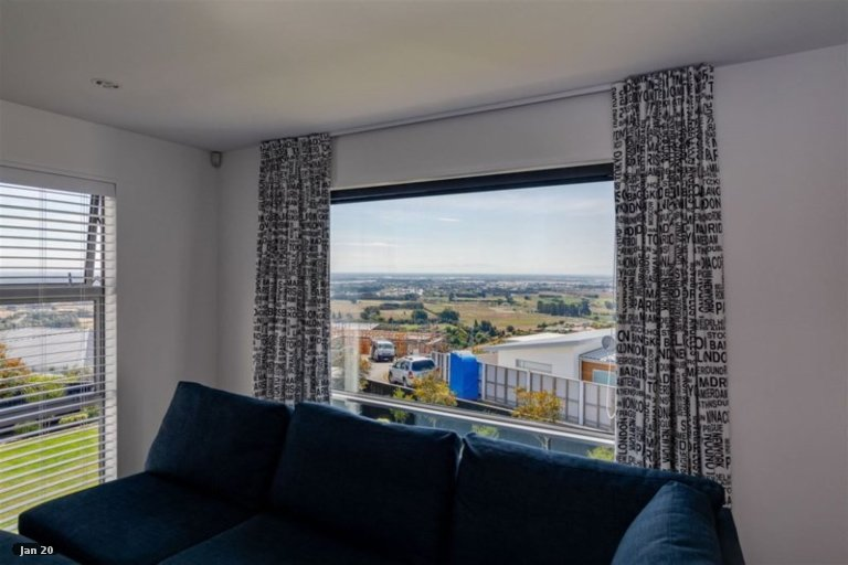 Photo of property in 138 Penruddock Rise, Westmorland, Christchurch, 8025