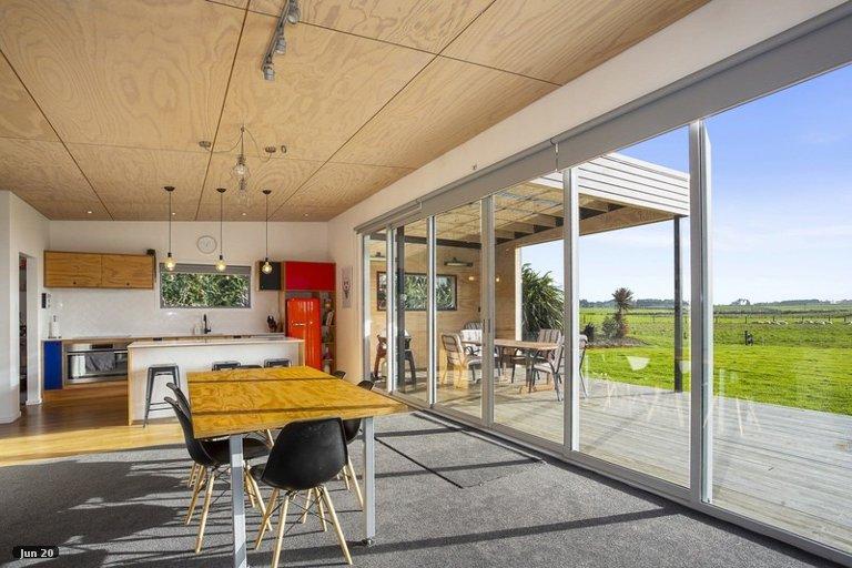 Photo of property in 32 Aerodrome Road, Anderson Park, Invercargill, 9876