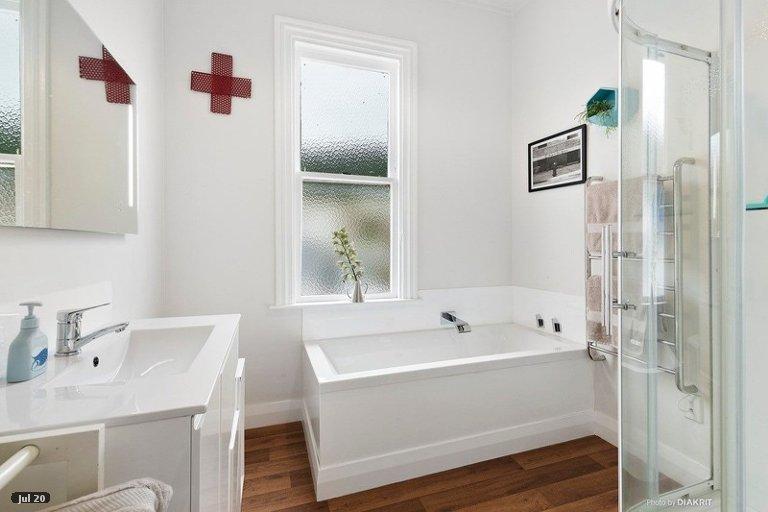 Property photo for 18 Queen Street, Mount Victoria, Wellington, 6011