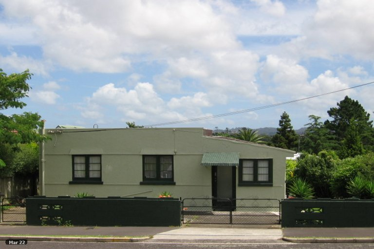 Photo of property in 32 Saxon Street, Waterview, Auckland, 1026