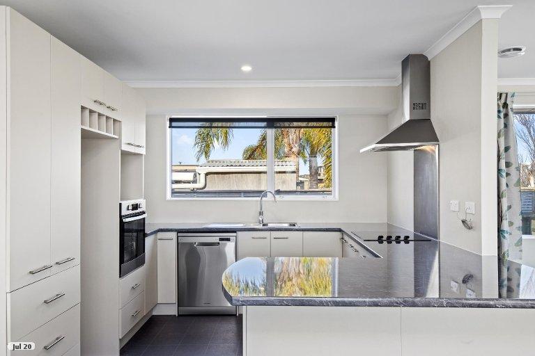 Photo of property in 56 Kowhai Avenue, Kaiaua, Miranda, 2473