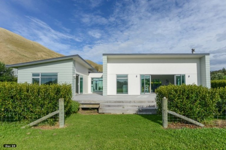 Property photo for 59 Shoal Beach Road, Aramoana, Omakere, 4271