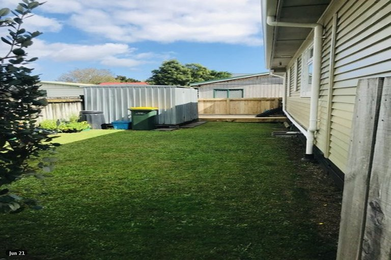 Photo of property in 252 Coronation Avenue, Welbourn, New Plymouth, 4310