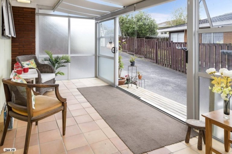 Property photo for 1/17 Liam Place, Half Moon Bay, Auckland, 2012
