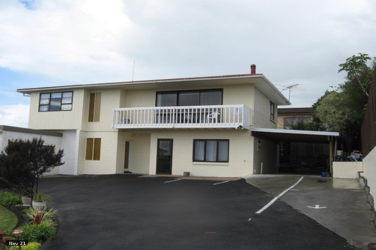 Photo of property in 2/21 Cromdale Avenue, Highland Park, Auckland, 2010