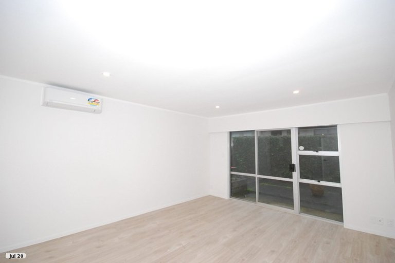 Property photo for 2/19 Fortunes Road, Half Moon Bay, Auckland, 2012