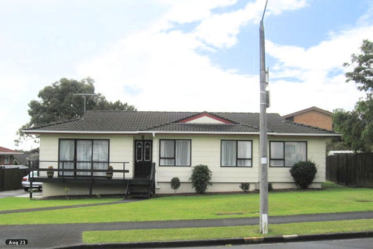 Property photo for 16 Benygloe Place, Highland Park, Auckland, 2010