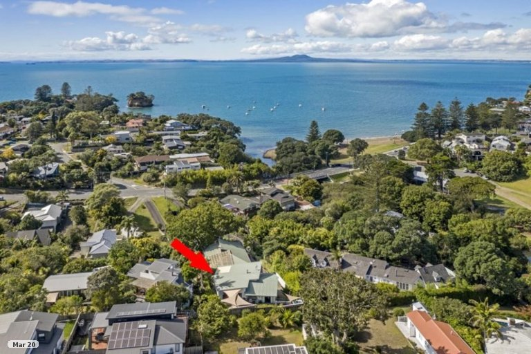 Property photo for 2/956 Beach Road, Torbay, Auckland, 0630