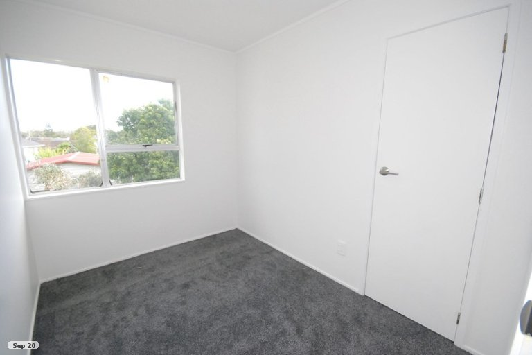 Photo of property in 2/52 Cherry Road, Bucklands Beach, Auckland, 2014