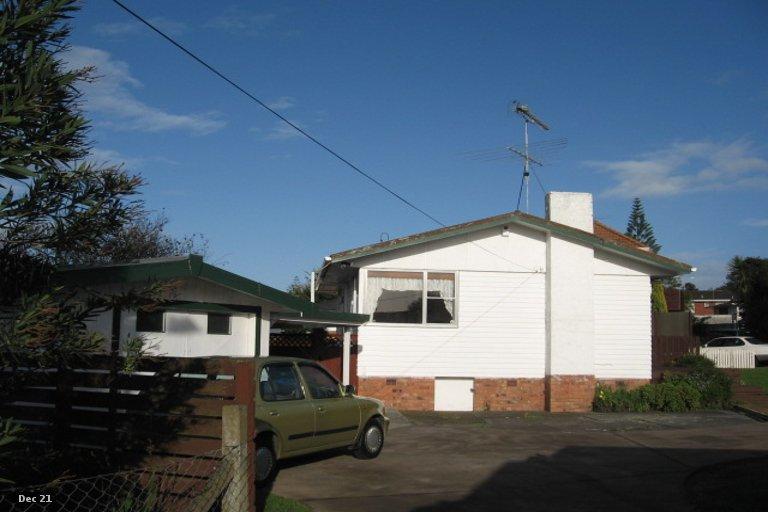 Property photo for 2/7 Gossamer Drive, Pakuranga Heights, Auckland, 2010