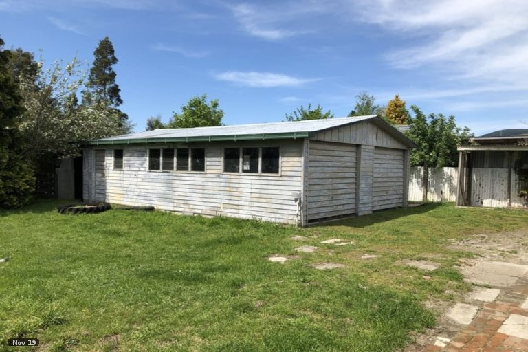 Photo of property in 10 Clifford Street, Clinton, 9534