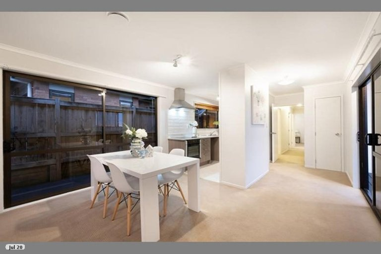 Property photo for 150 Aviemore Drive, Highland Park, Auckland, 2010