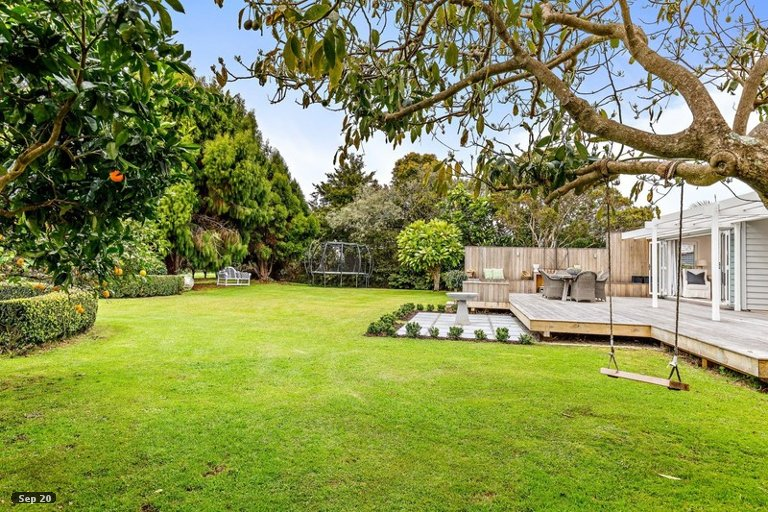 Photo of property in 79 Point Wells Road, Point Wells, 0986