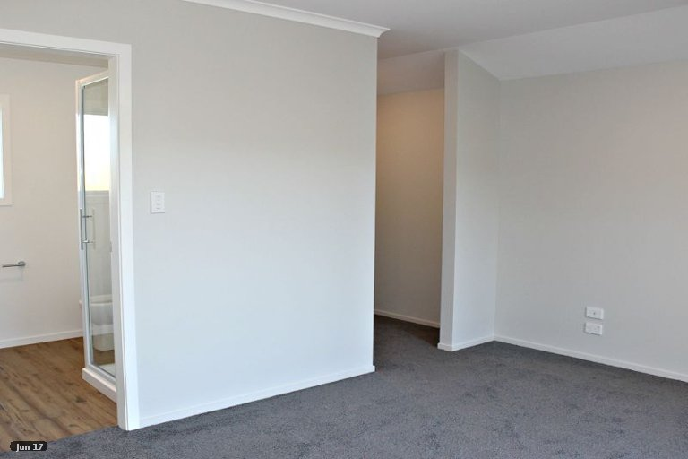 Photo of property in 3 Austin Reid Avenue, Carterton, 5713