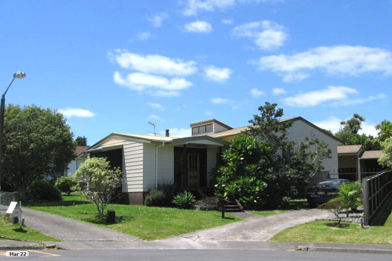 Property photo for 9 Castlewood Grove, Blockhouse Bay, Auckland, 0600