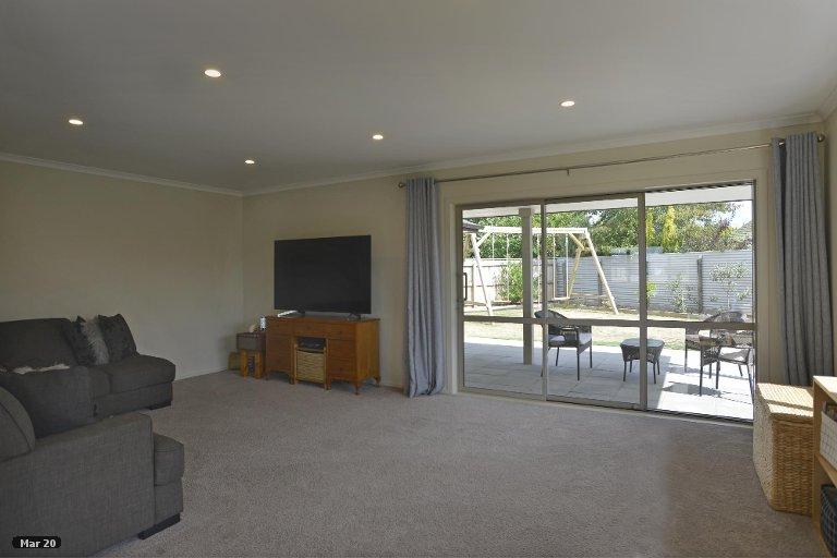 Photo of property in 13 Austin Reid Avenue, Carterton, 5713