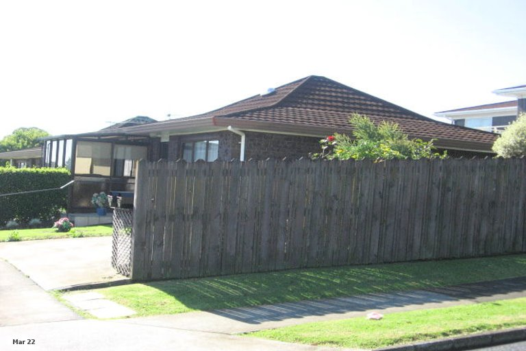 Property photo for 2/58 Highland Park Drive, Highland Park, Auckland, 2010