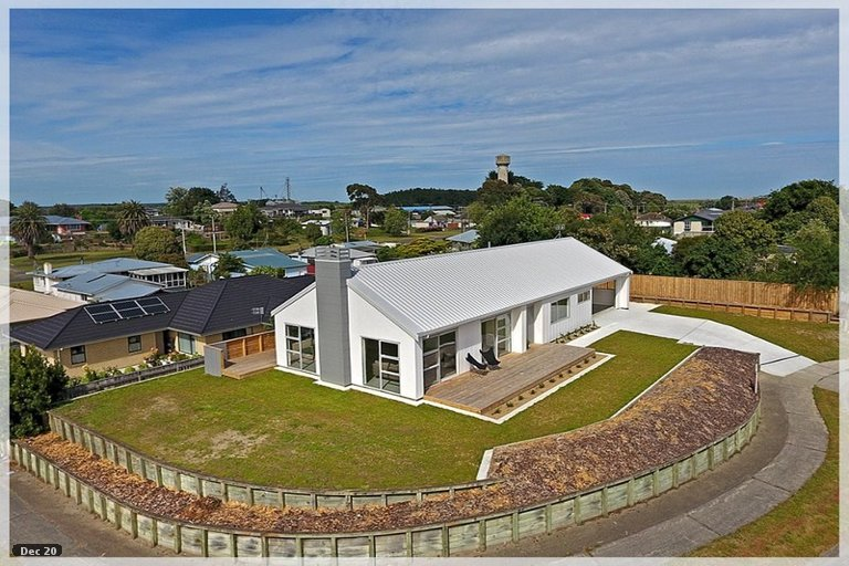 Photo of property in 7 Awahou Place, Foxton, 4814