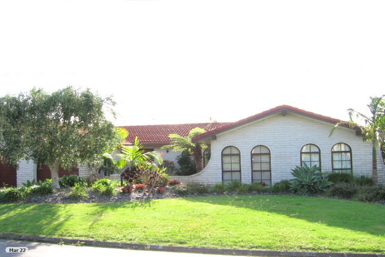Property photo for 5 Coquille Place, Half Moon Bay, Auckland, 2012