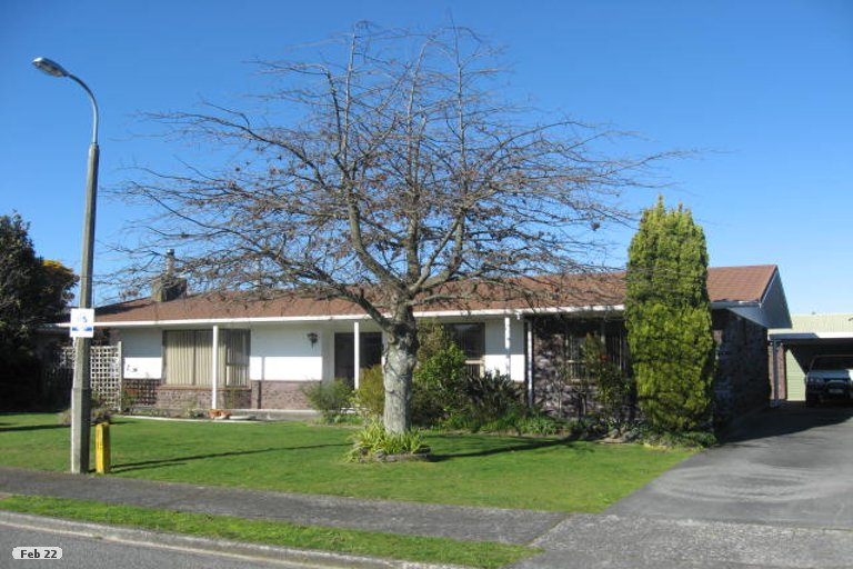 Property photo for 6 Chisholm Place, Carterton, 5713