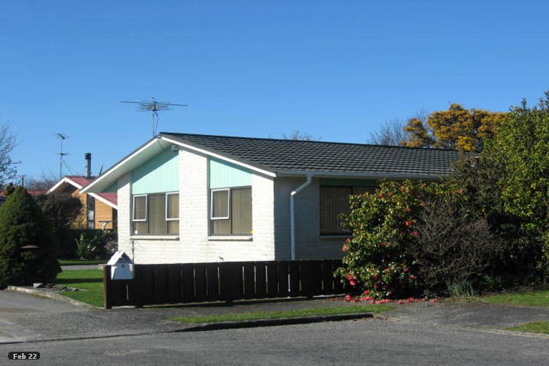 Photo of property in 8 Chisholm Place, Carterton, 5713