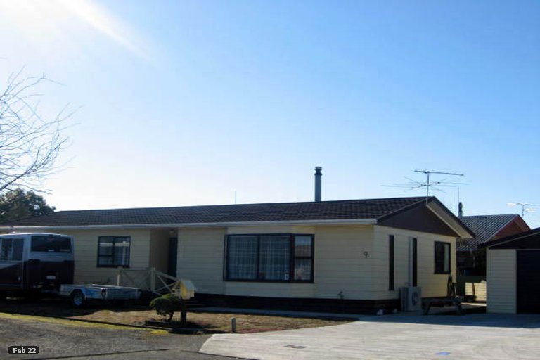 Property photo for 9 Chisholm Place, Carterton, 5713