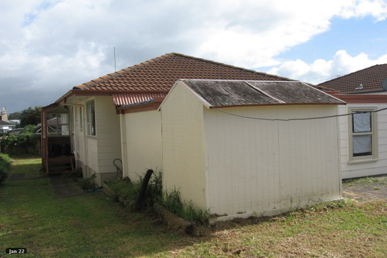 Property photo for 2/11 Tomintoul Place, Highland Park, Auckland, 2010