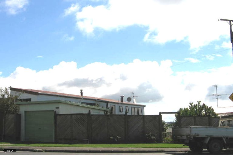 Property photo for 850 Beach Road, Waiake, Auckland, 0630