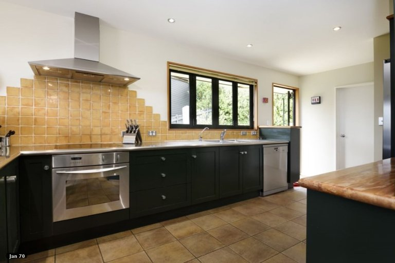 Photo of property in 2/1 Allan Street, Nelson South, Nelson, 7010