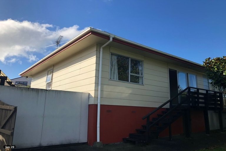 Property photo for 1/20 Highland Park Drive, Highland Park, Auckland, 2010