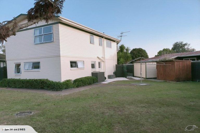 Property photo for 49 Edgewater Drive, Pakuranga, Auckland, 2010
