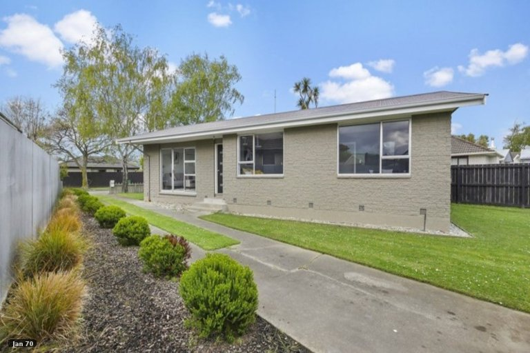 Property photo for 17 Claymore Street, Woolston, Christchurch, 8062
