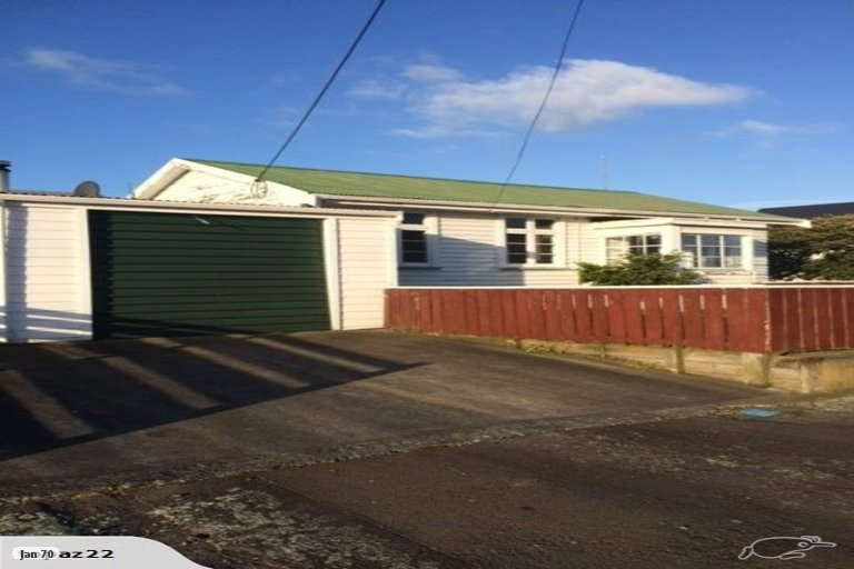 Photo of property in 9 Avenue Road, Foxton, 4814