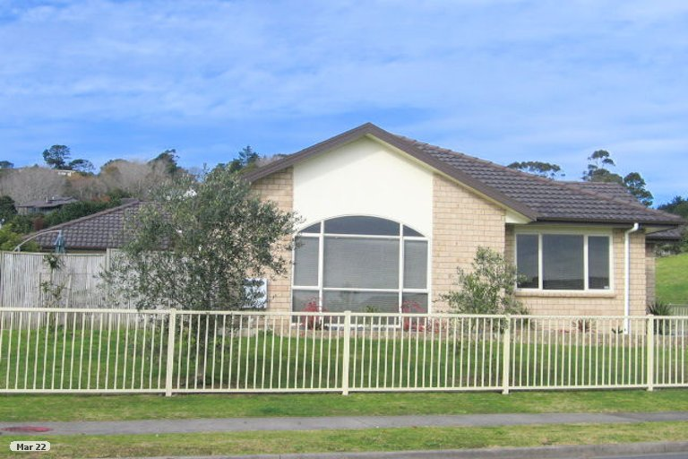 Property photo for 52 Lansell Drive, East Tamaki Heights, Auckland, 2016