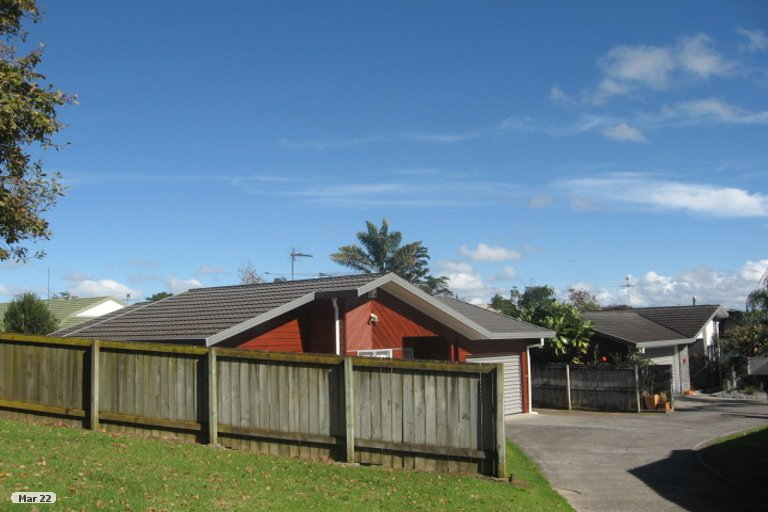 Property photo for 2/15 Lochend Place, Highland Park, Auckland, 2010