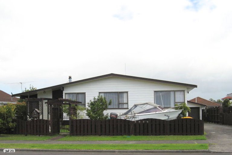 Property photo for 15 Tomintoul Place, Highland Park, Auckland, 2010