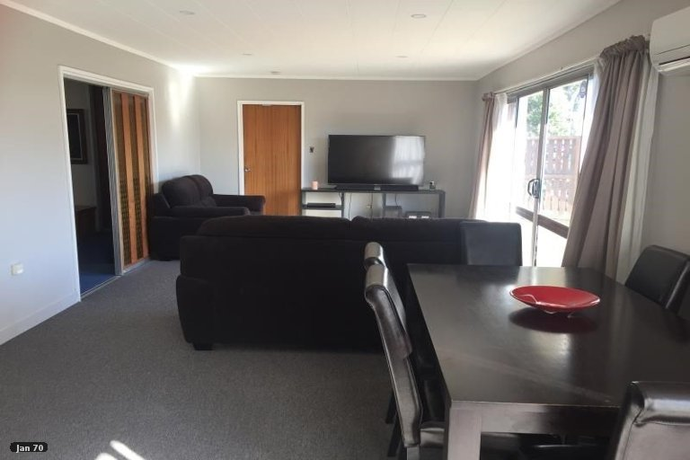 Property photo for 2/5 Cuffs Road, Wainoni, Christchurch, 8061