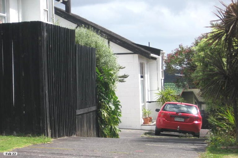 Property photo for 2/20 Bayview Road, Bayview, Auckland, 0629