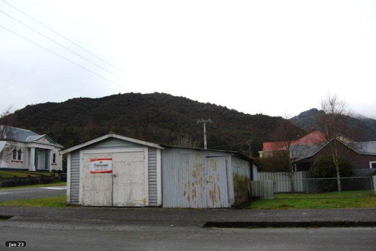 Photo of property in 37 Walsh Street, Reefton, 7830