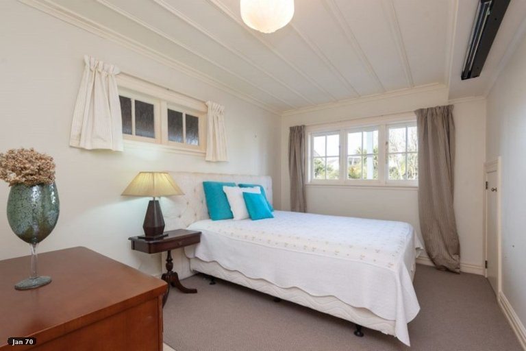 Photo of property in 15 Bay Road, Saint Heliers, Auckland, 1071