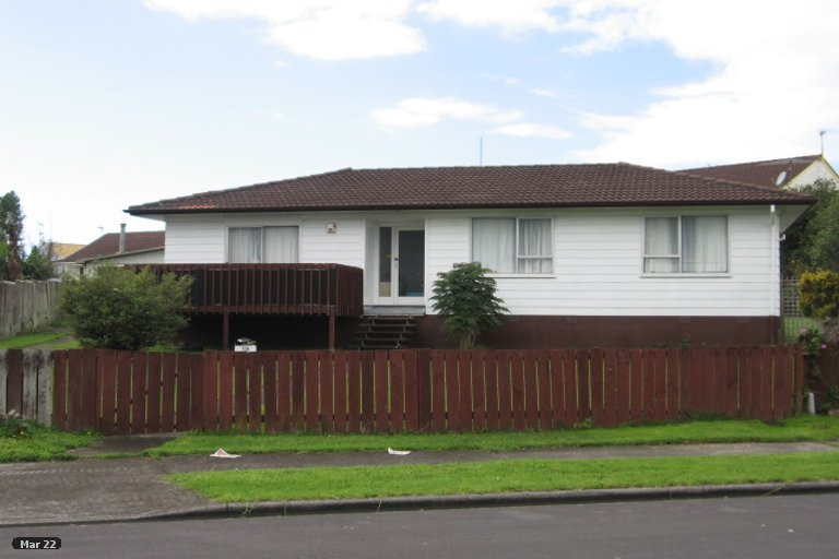 Property photo for 18 Tomintoul Place, Highland Park, Auckland, 2010